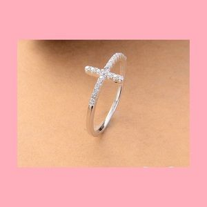 NEW💟 Cross Ring